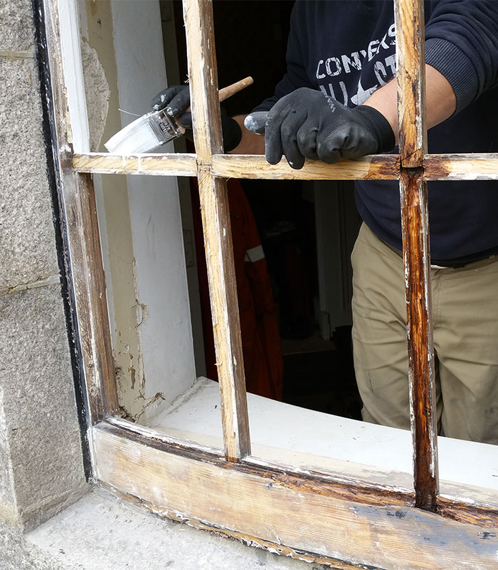 We also specialise in sash and case window repairs that range from windowsill replacement to glass replacement with general overhauling and draught proofing. We aim to bring your sash windows up to modern standards of comfort whilst maintaining their original look.